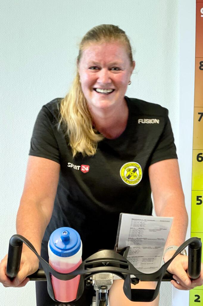 Marianne Nørgaard på træningscykel